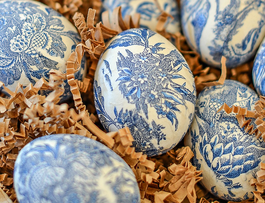 MAKE CHINOISERIE EASTER EGGS DIY