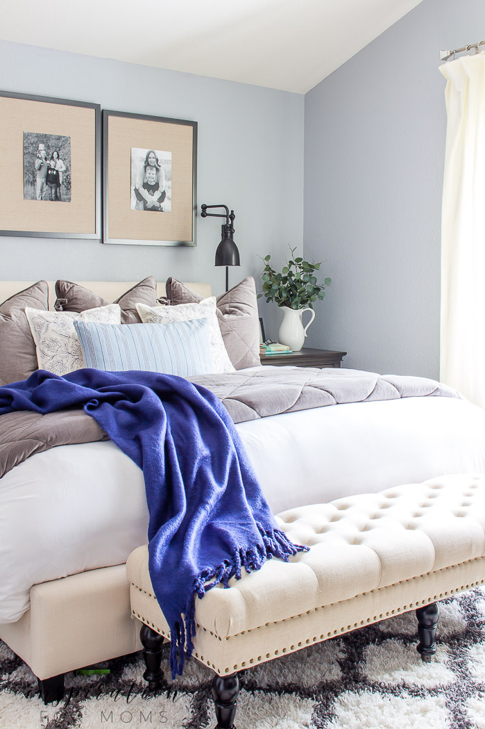 Simple Ways to Decorate the Master Bedroom for Spring
