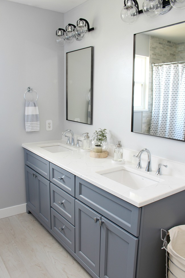 Coastal Style Bathroom Makeover