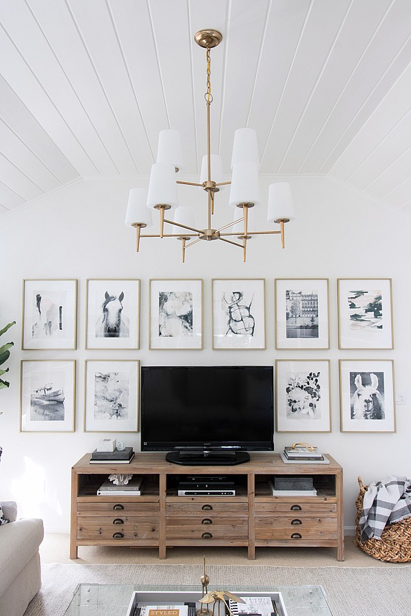 6 Clever Ways to Decorate Around a TV