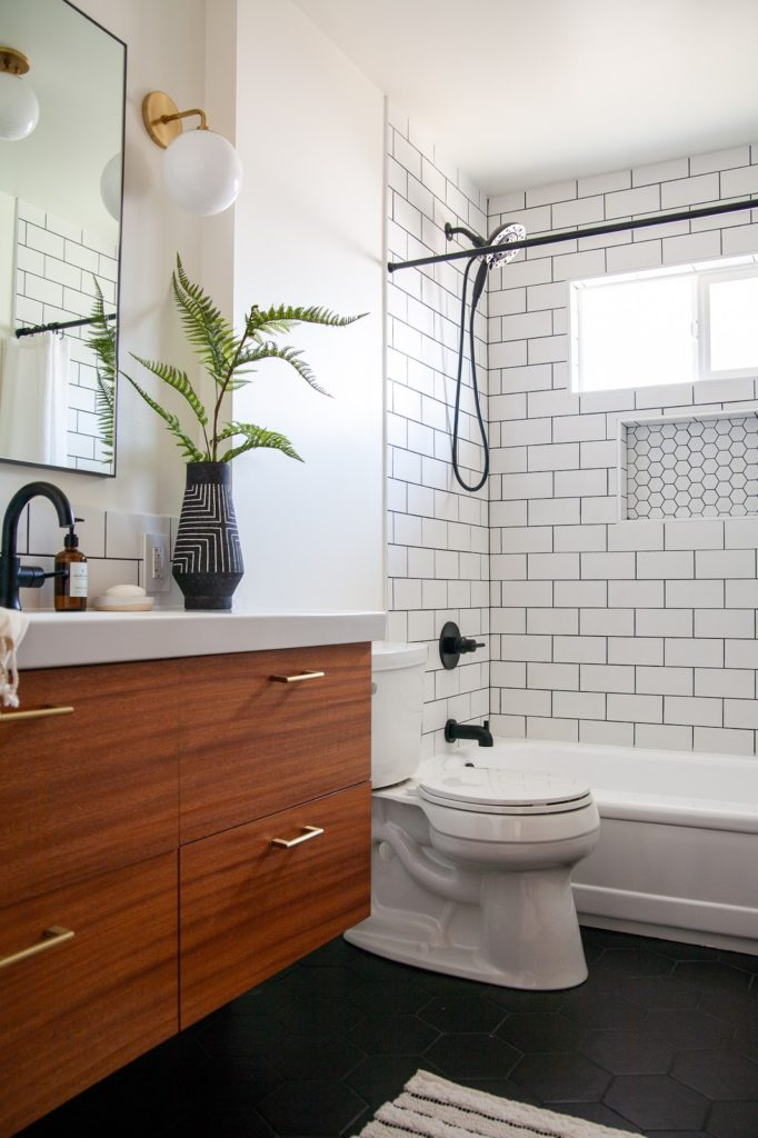 MODERN BATHROOM RENOVATION REVEAL: THE FINISHED ONE ROOM CHALLENGE!