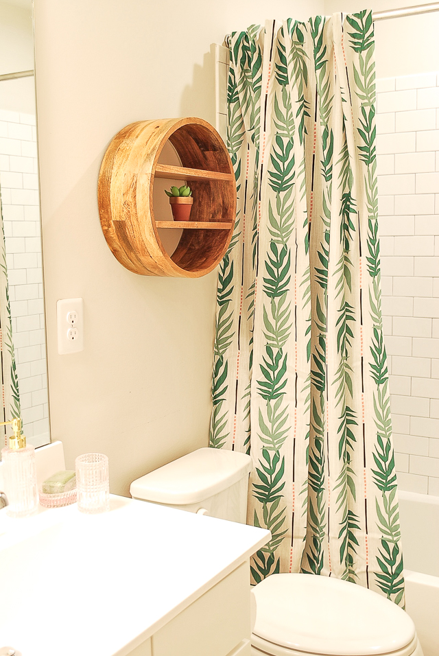 Amy's Kids' Bathroom with Drew Barrymore Flower Home