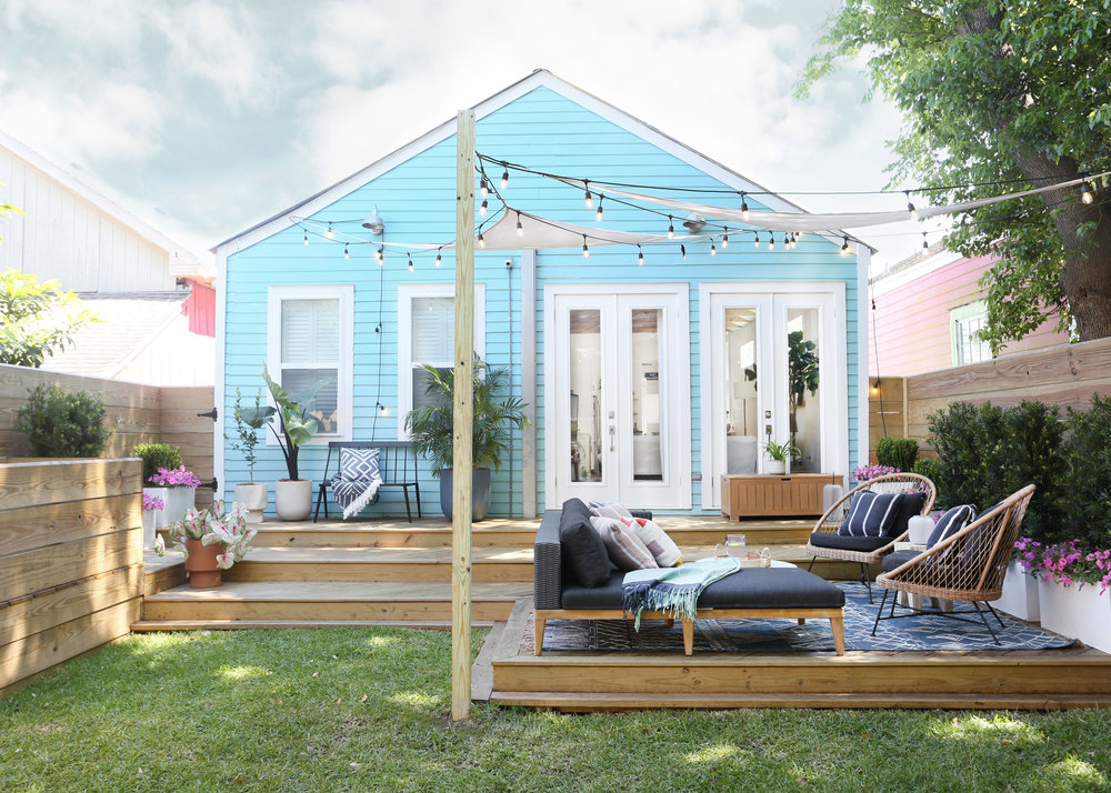 A HAPPY AND VERY COMFORTABLE OUTDOOR OASIS IN THE HEART OF NOLA